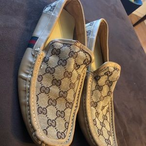 Men's Gucci Loafers (sz 11)